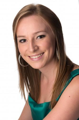 Sara Taels Headshot
