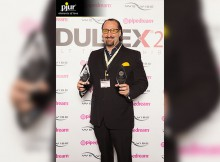 Alexander Giebel with two Adultex Awards